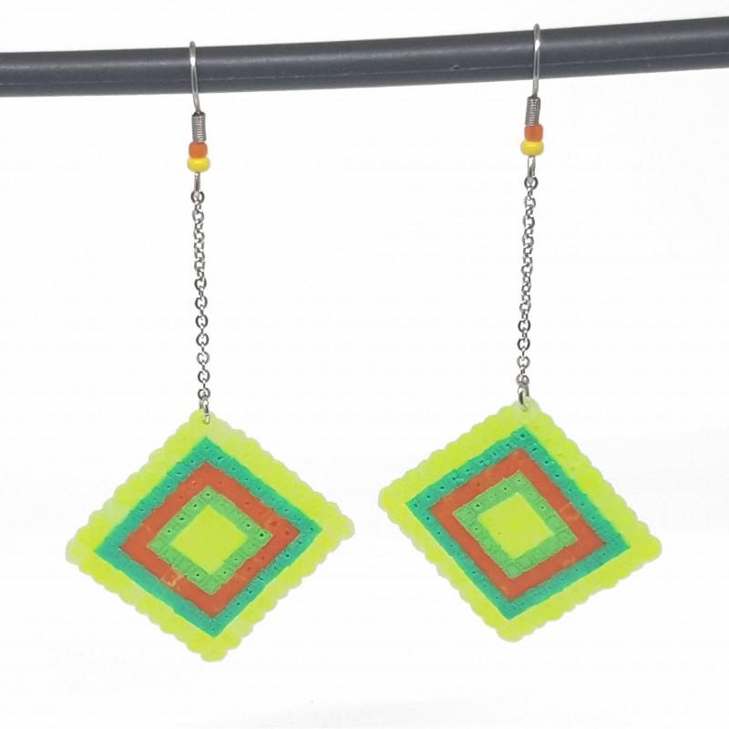 Boucles d'oreilles en perles hama | Bijoux fantaisies faits main lyon | Boucles d'oreilles vertes et jaune fluo
