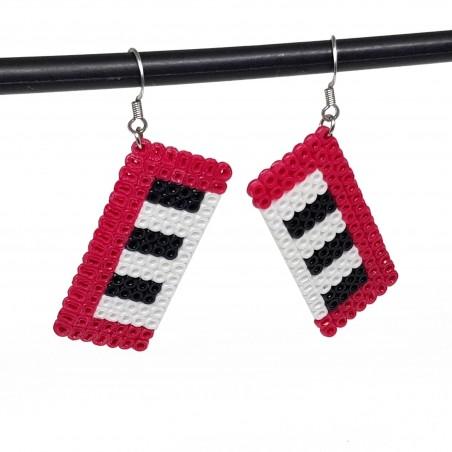 Boucles d'oreilles en perle hama format piano | Bijoux fantaisies faits main lyon | Boucles d'oreilles rose fuchsia