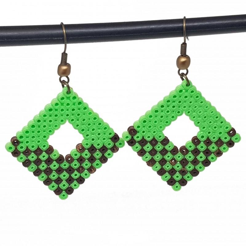 Boucles d'oreilles en perles hama | Bijoux fantaisies faits main lyon | Boucles d'oreilles vert et marron