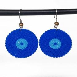 Boucles d'oreilles en perles hama | Bijoux fantaisies faits main lyon | Boucles d'oreilles bleu foncé et bleu ciel