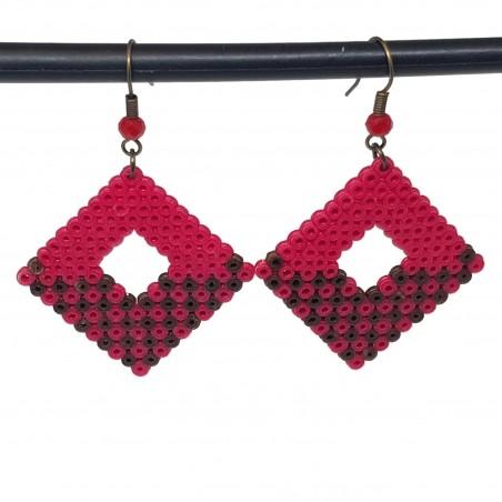 Boucles d'oreilles en perles hama | Bijoux fantaisies faits main lyon | Boucles d'oreilles rose fuchsia et marron